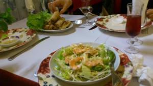 Salade crevette et nems