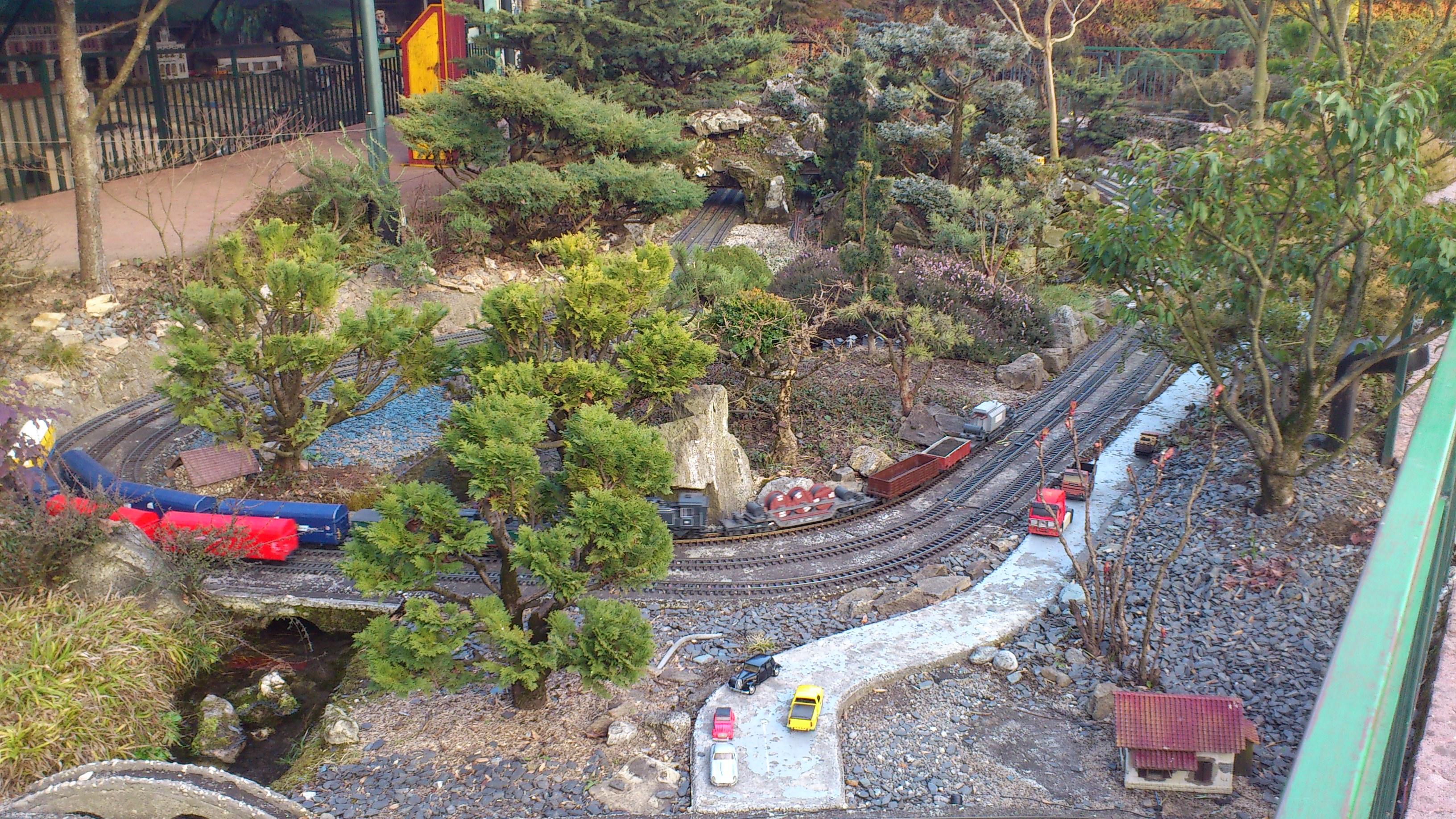 Le jardin ferroviaire chatte for Jardin ferroviaire